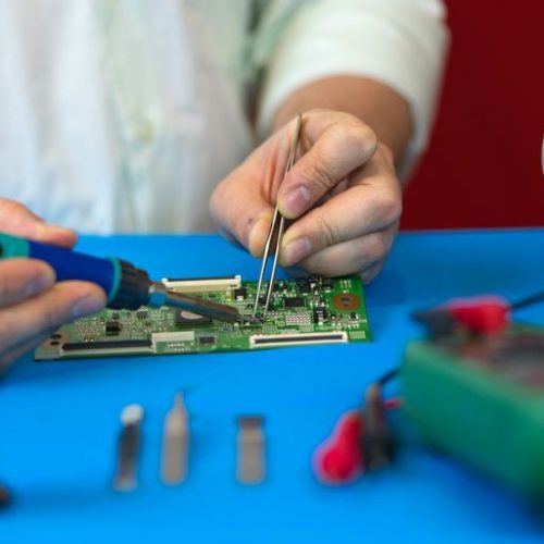 Take care of your electronic products in the right manner