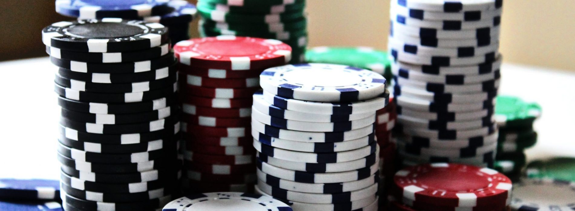 Why online casinos are preferred?