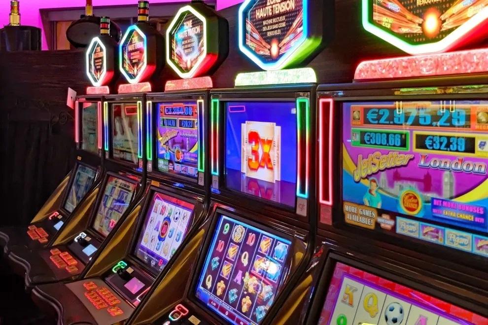 Are Slot Machines Randome